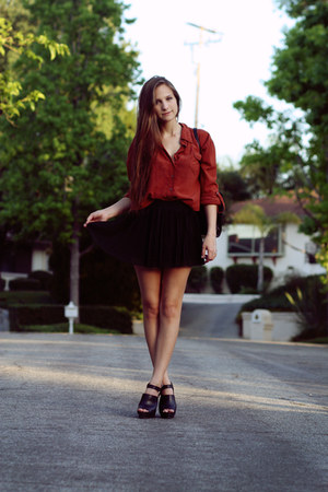 burnt orange backless LF stores blouse - black pleated Topshop skirt - black pla