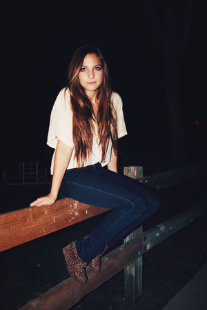 ivory shirt - navy jeans - light brown shoes
