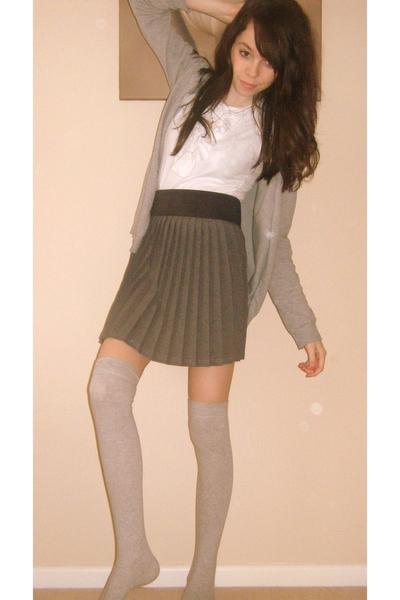 t-shirt - belt - skirt - socks - sweater