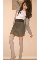 t-shirt - belt - skirt - socks - sweater