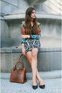 Floral-shirt-brown-fake-crocodile-bag-black-ballerina-flats-pattern-skirt