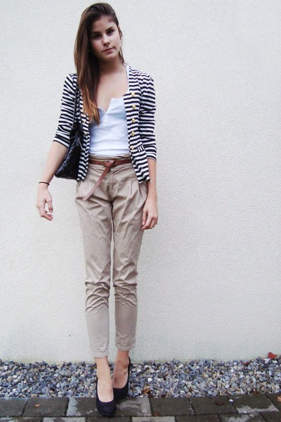 beige pants - white shirt - blazer - black shoes - black bag