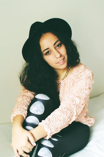 light pink OASAP sweater - black romwe leggings