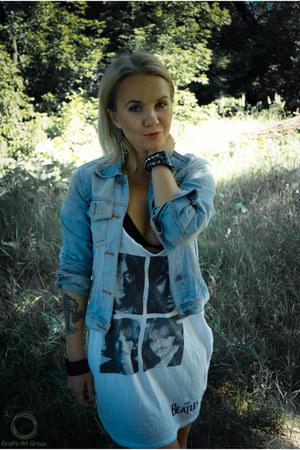 blue jeans cars jeans jacket - white beatles H&M t-shirt