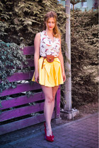 yellow River Island skirt - ivory bird printed Atmosphere shirt