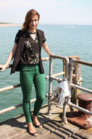 green Topshop jeans - black floral Zara blouse - black H&M vest