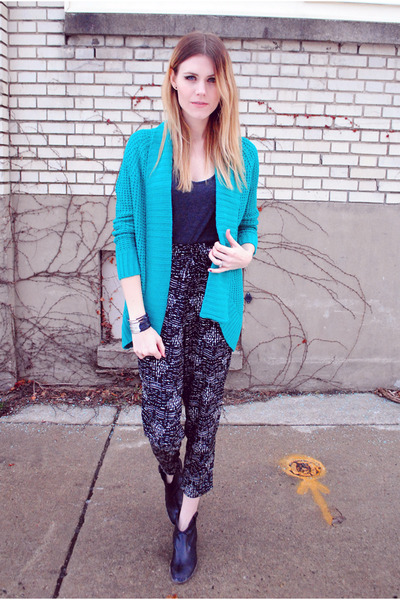 waffle cardigan Francescas Collections cardigan - Steve Madden boots
