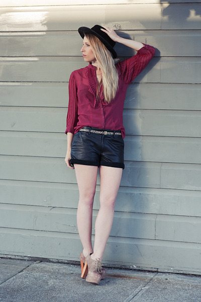 black vintage hat - black leather bird by juicy couture shorts - crimson  blouse