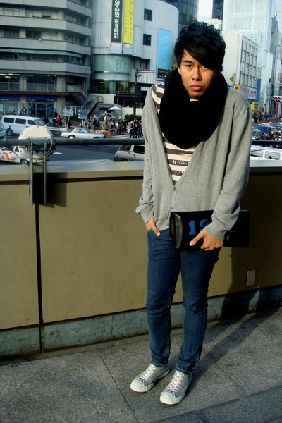 black circle American Apparel scarf - gray Converse shoes
