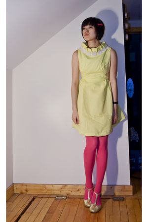 gold vintage dress - pink hyaku-en shoppu tights - pink Forever 21 accessories -