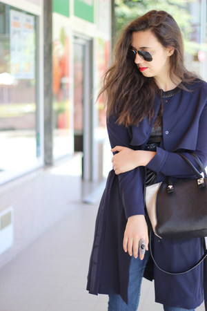Mango coat - Zara bag - ray-ban sunglasses