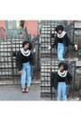 Mom-jeans-vintage-jeans-kint-vintage-scarf-american-apperal-bodysuit