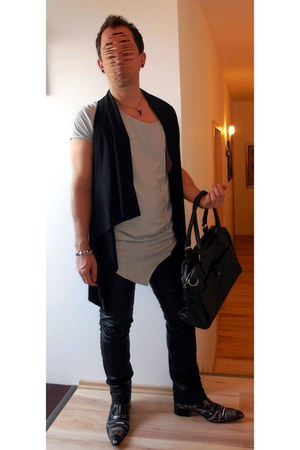 black leather bag - gray Jeffery West boots - silver XAGON MAN shirt