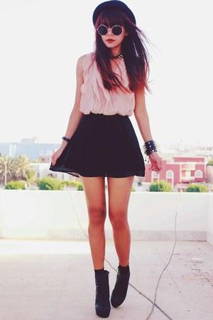 black magnetic romwe bracelet - light pink soft serenade Sugarlips dress