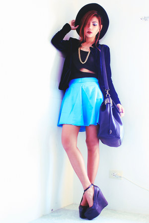 black cut out midriff Romwecom vest - turquoise blue Persunmallcom skirt