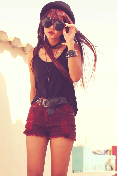 crimson creepers gift shoes - crimson Forever 21 shorts - black Esprit belt