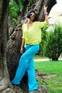 Light-yellow-blouse-turquoise-blue-pants-white-wedges