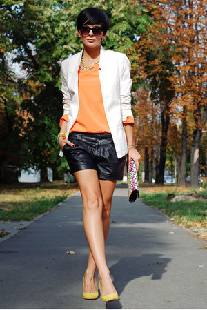 white New Yorker blazer - black Stradivarius shorts - orange Romwecom blouse