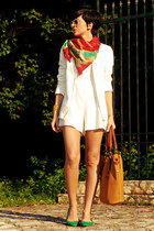 white New Yorker blazer - red vintage scarf - tawny herejcom bag