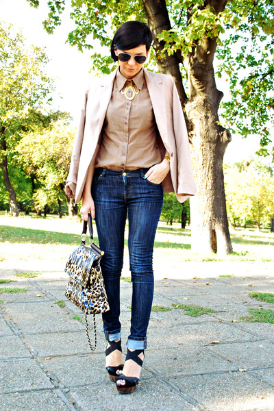 dark brown Lookat bag - blue Zara jeans - camel pull&bear blazer