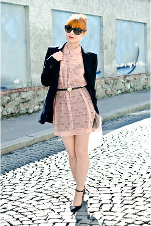black Zara blazer - light pink swan print H&M dress