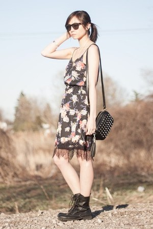 black combat PERSUNMALL boots - black floral Sheinside dress