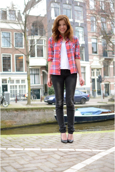 vintage blouse - vintage jeans - River Island t-shirt - Nelly heels