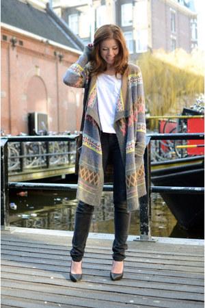 vintage cardigan - vintage jeans - River Island shirt - Nelly heels