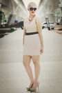 Beige-bamboo-heels-beige-zara-dress