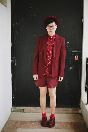 brick red DrMartens shoes - brick red H&amp;M blazer - brick red H&amp;M shorts