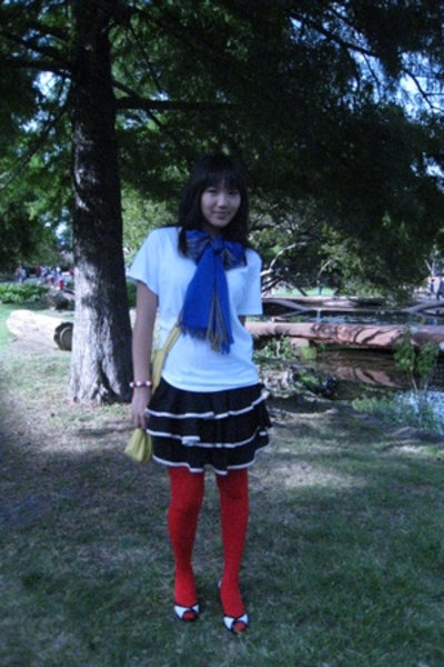Hanes t-shirt - Target GO International skirt - scarf