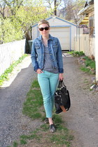 black shoes - heather gray t-shirt - aquamarine pants