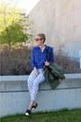 White-jeans-blue-blouse-black-flats