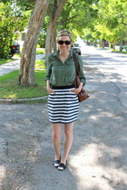 banana republic bag - piperlime skirt - DV by dolce vita flats - Old Navy blouse