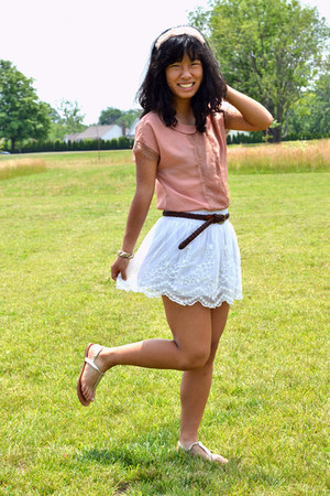white hollister skirt - dark brown Forever 21 belt - coral LC Lauren Conrad top