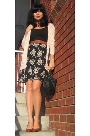 Belle & Paige sweater - vintage skirt - vintage belt - vintage purse - Nine West