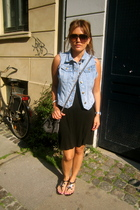 Alexander Wang top - Monki vest - Marc by Marc Jacobs sunglasses - Chanel shoes