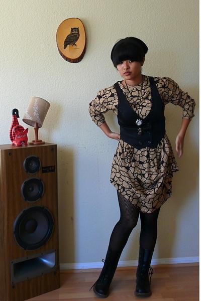 dress - forever 21 vest - - shoes