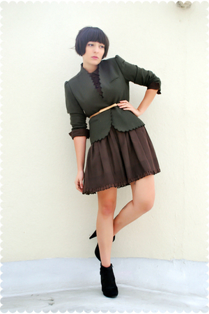 green scalloped vintage sasson blazer - black Payless shoes