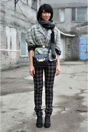 gray MissSixty boots - vintage belt - fishbone jeans - selfmade scarf - e-bay pu