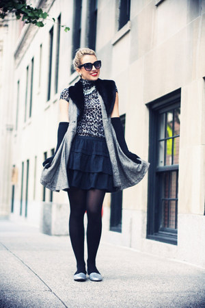 charcoal gray Zara shirt - black Zara bag - black Zara skirt