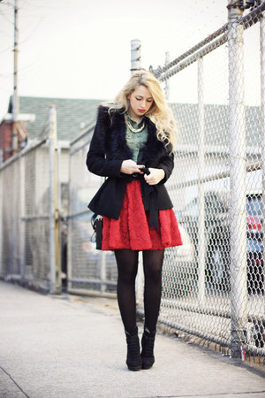 red Chicwish skirt - black Mango boots - black H&amp;M coat