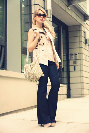 navy David Kahn jeans - tan Remi&amp;Emmy bag - cream Forever21 vest