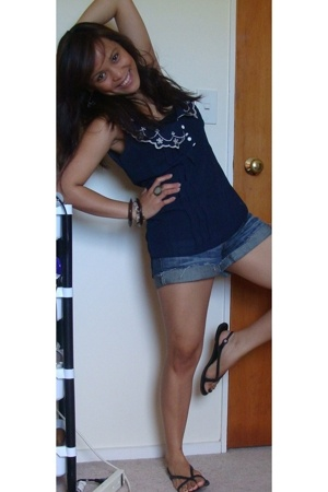 cotton on top - Bayo shorts - Wild Pair accessories - Country Road