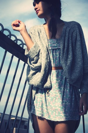heather gray American Apparel cardigan