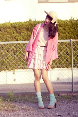 beige from japan heels - beige vintage hat - bubble gum kimono Zara blazer
