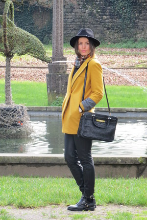 black Zara boots - mustard Motivi coat - black Sisley bag - black Zara pants