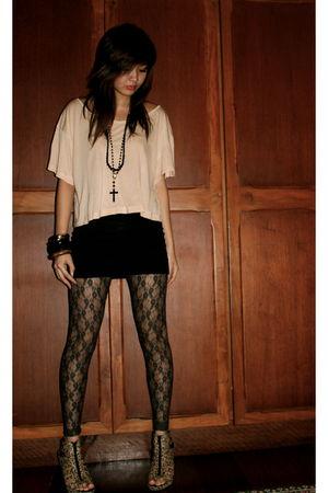 beige H&M top - brown H&M leopard print shoes - gray Topshop lace leggings