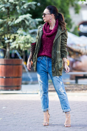 army green Zara coat - sky blue Zara jeans - maroon Stradivarius sweater