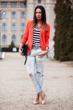 light blue Mango jeans - red tailored Mango blazer - black leather Mango bag